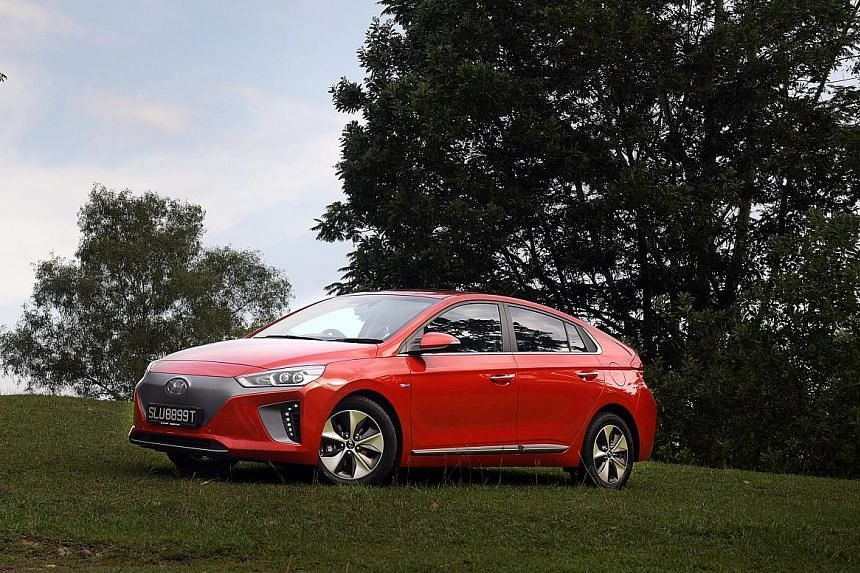 The Hyundai Ioniq Electric Has Zero Tailpipe Emissions Fantastic Mid Stream Acceleration And Handles