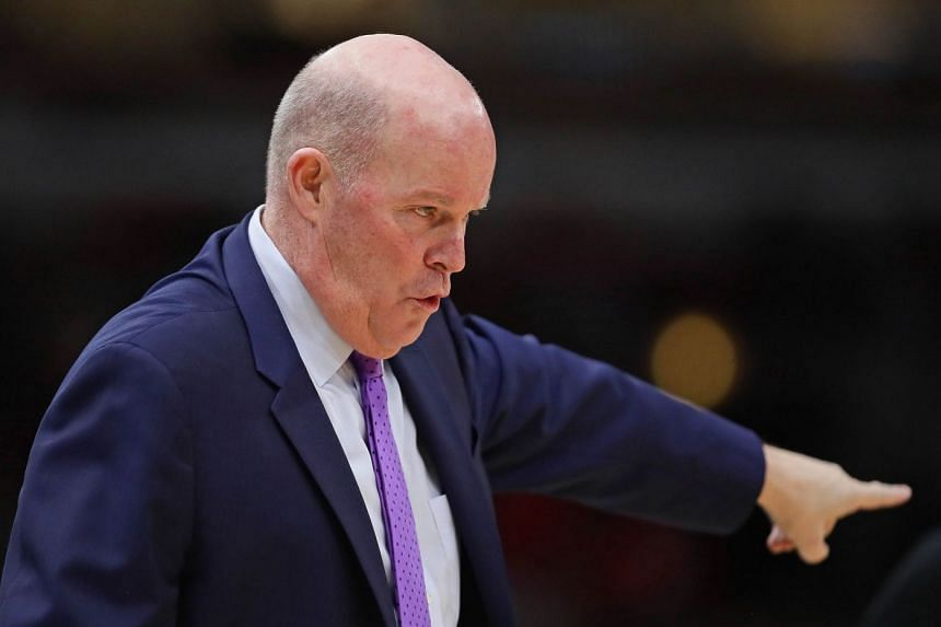 Steve Clifford giving instuctions to his team.