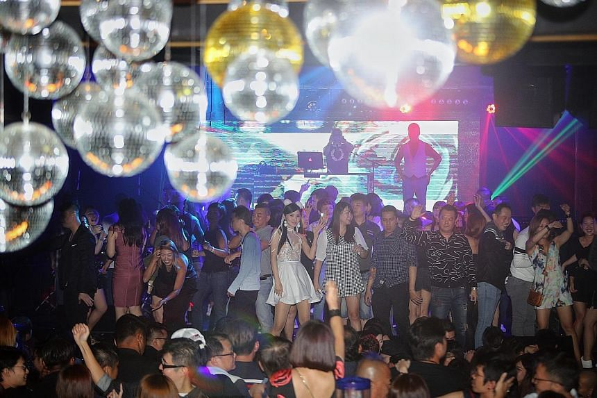 It was full-house for the 900-capacity Mandopop nightclub at Clarke Quay last Friday and Saturday nights.