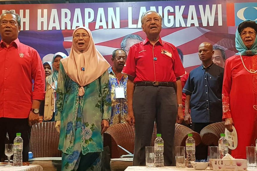 The announcement ended months of speculation on where former Malaysian prime minister Tun Mahathir Mohamad (third from left) would be fielded.