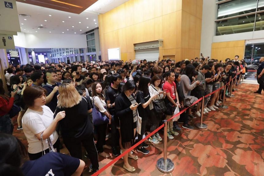 Huge crowd at the Marina Bay Sands for the Avengers: Infinity War event.