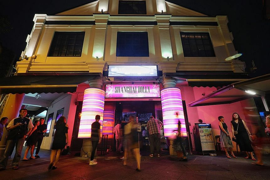 Singapore's largest and longest-running live Mandopop music venue, Shanghai Dolly in Clarke Quay, closed after marking its last hurrah during the weekend.