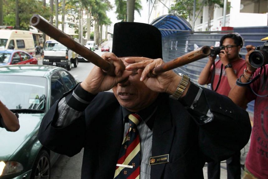 Malaysia's self-styled shaman Ibrahim Mat Zin said he would not resort to gimmicks during the campaigning period.