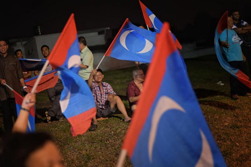 Candidates from all four opposition parties grouped under the Pakatan Harapan (PH) pact are free to contest under the PKR banner.