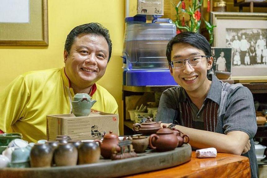 Pek Sin Choon owner Kenry Peh (left) and Mr Nicholas Yeo, one of the gold medal winners of the inaugural Pek Sin Choon Nanyang Tea Brewing Challenge.