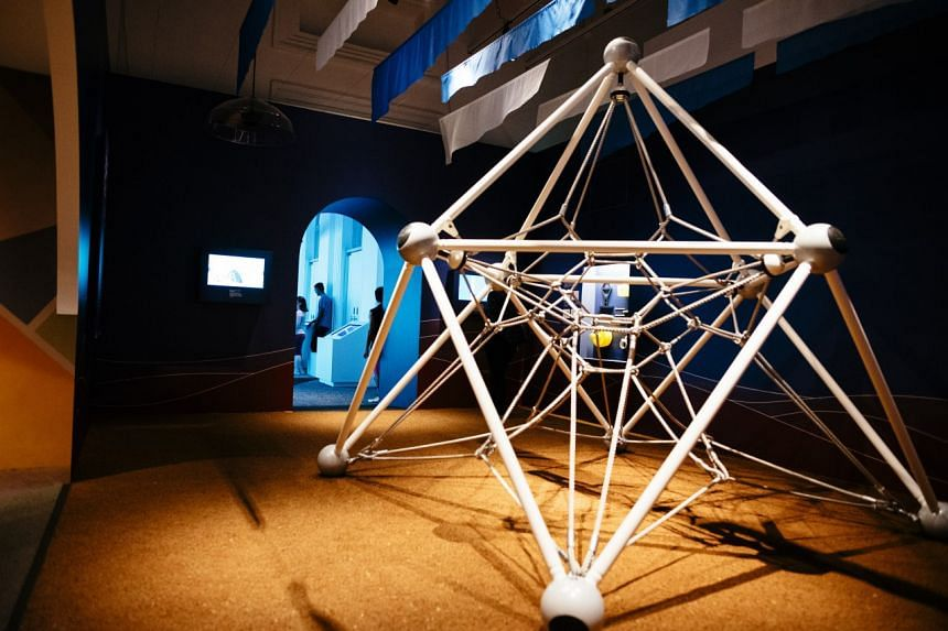 A rope play equipment exhibit by CT-Art Creation, the same company which built the iconic rope play pyramid in West Coast Park.