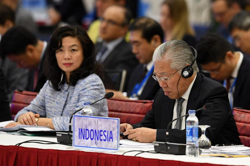 Indonesia's Trade Minister Enggartiasto Lukita attends the Apec Ministers Responsible For Trade meeting in Hanoi on May 20, 2017.