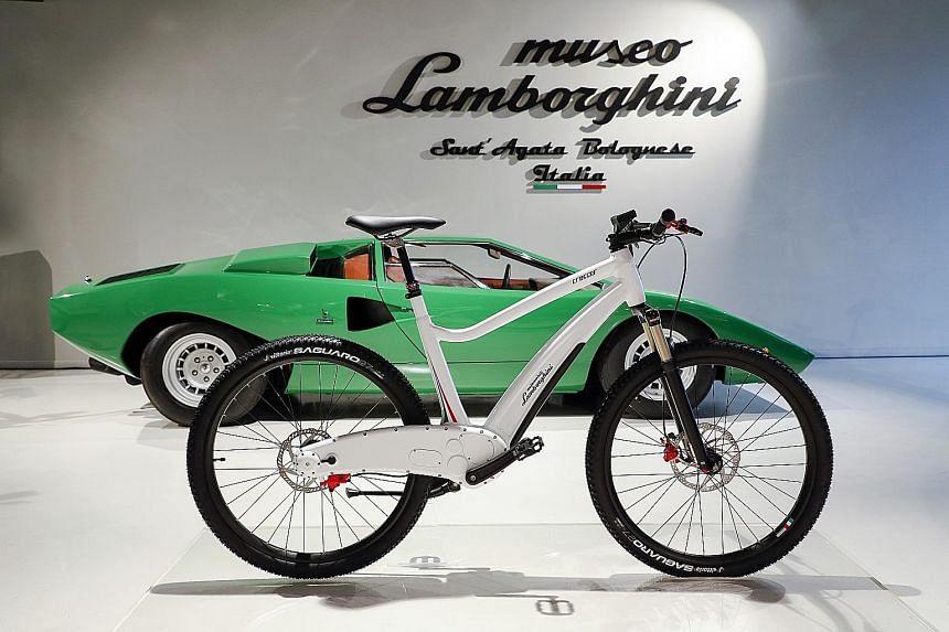 Fast Lane Audi Etron To Hit Singapore Next Year Motoring News - Audi e bike