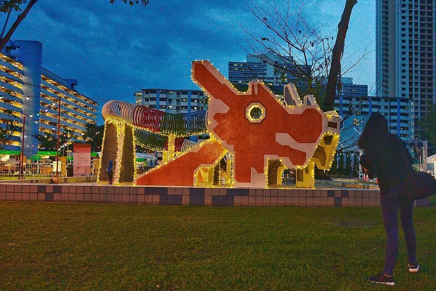 The neighbourhood in Toa Payoh Lorong 6 will come alive this weekend with hawker stalls, movie screenings and a heritage car flea market. The centre of attraction will be the beloved dragon playground, which will be lit up with fairy lights as part o