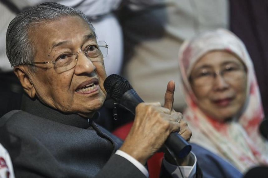 Malaysian Prime Minister and Malaysia's opposition United Indigenous Party (PPBM) chairman, Mahathir Mohamad, has vowed to reconsider Chinese contracts if the opposition wins on May 9.