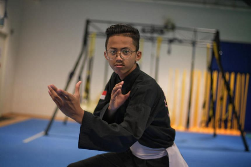 Singapore's Muhammad Hazim Mohd Yusli (pictured) retained his Class D title with a 5-0 defeat of Muhammad Haziq Aziman of Malaysia.