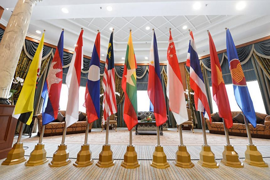Asean's leaders vowed to keep their markets open and competitive and to remain united in the face of external divisive forces, in order to keep the regional grouping resilient and innovative.
