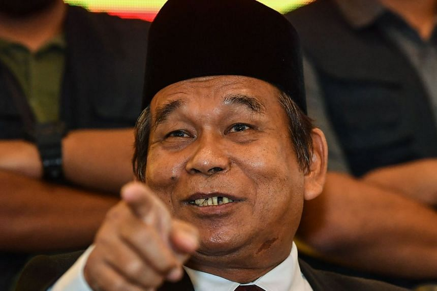 Ibrahim Mat Zin did not appear at the nomination centre in Bagan Datuk constituency, despite earlier announcing that he would contest the election.