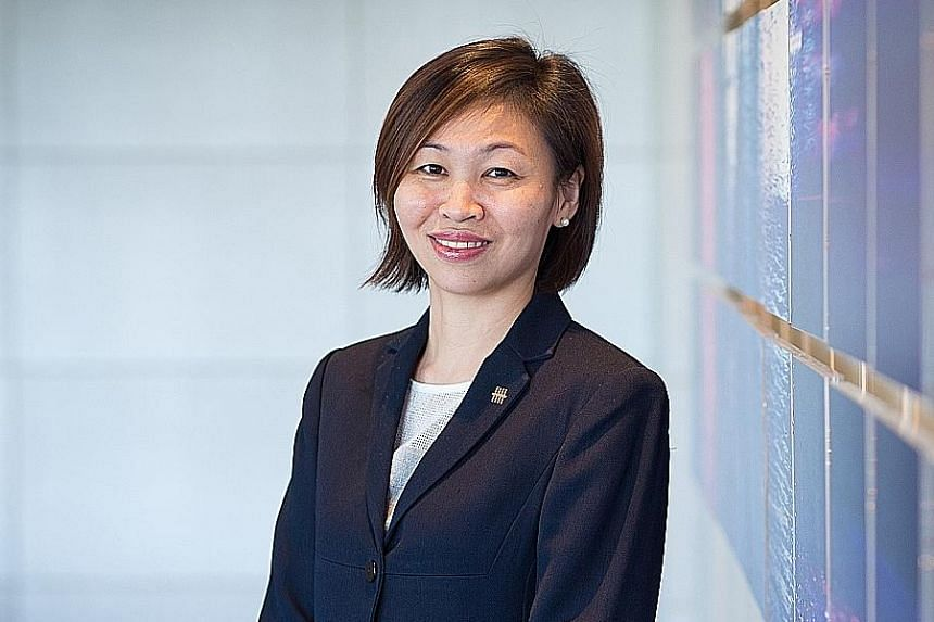 Ms Chung Shaw Bee, Head Of Singapore And Regional, Deposits & Wealth Management, Uob