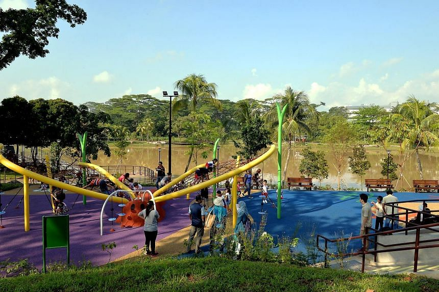 Marsiling Park features improved lighting, new boardwalks and activity spaces such as a fitness corner and a butterfly-shaped rope playground. Popular elements of the park - such as the viewing tower, Chinese pavilions and stone bridge - have been re