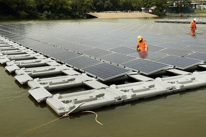 The world's largest floating solar photovoltaic cell test-bed in the Tengeh Reservoir in Tuas.
