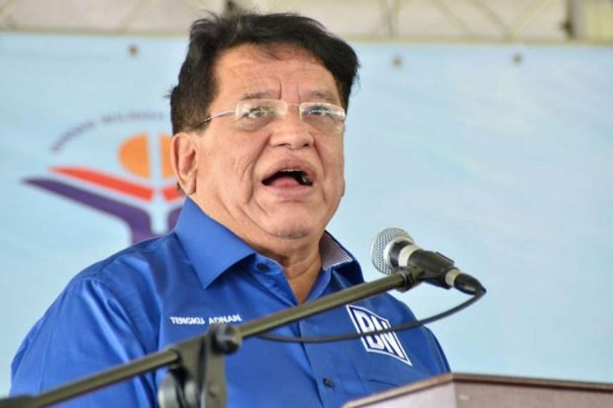 Datuk Seri Tengku Adnan Tengku Mansor said the memberships of former finance minister Daim Zainuddin and former trade minister Rafidah Aziz have been withdrawn automatically for their actions.