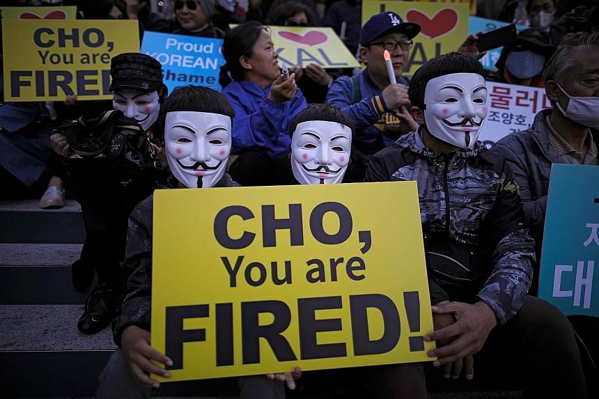 Protesters in Seoul calling for Korean Airline chairman Cho Yang Ho to resign last Friday. Airline pilots, flight attendants and staff are also demanding greater transparency over the company's management. The bad behaviour of Mr Cho's daughters has
