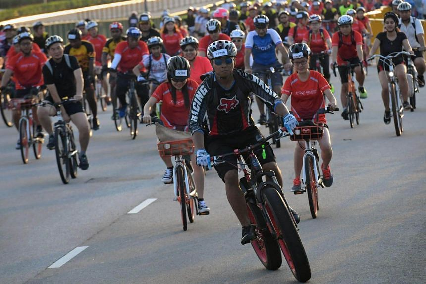 Participants of OCBC Cycle 2018 went past iconic landmarks such as the Singapore Flyer, Marina Bay Sands and Gardens by the Bay.