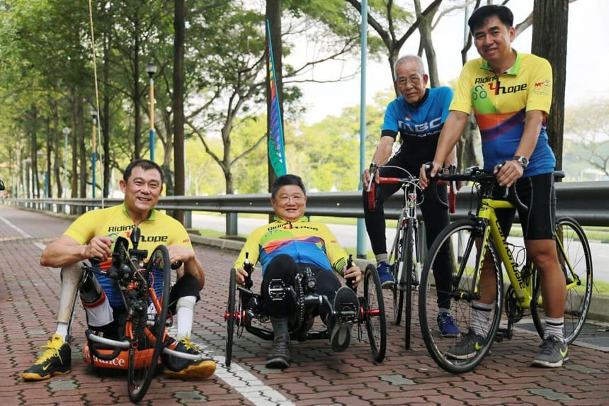 The team consisting of (from left) Michael Ngu, Tag Sin Siew, Tan Ah Chwee and Tee Lay Kern, will cycle through the entire United Kingdom in a 16-day trip.