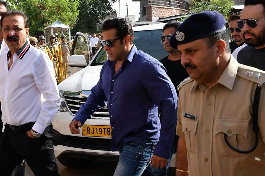 Indian Bollywood actor Salman Khan arrives at a court in Jodhpur, on May 7, 2018.
