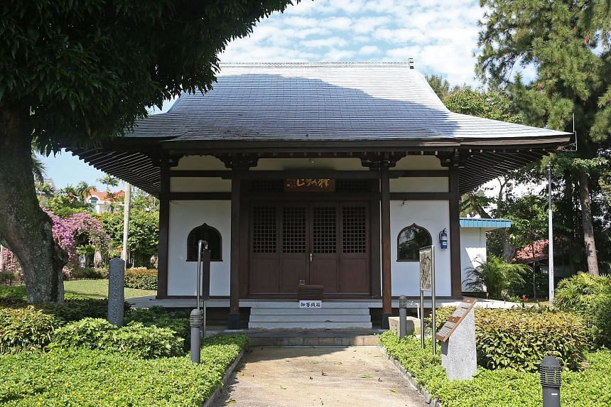The prayer hall, or mido, situated in the heart of the cemetery park, is meant for Japanese visitors who want to pay their respects and pray. The Japanese Association holds a memorial service in the park each year. The cemetery park, with its pink bo