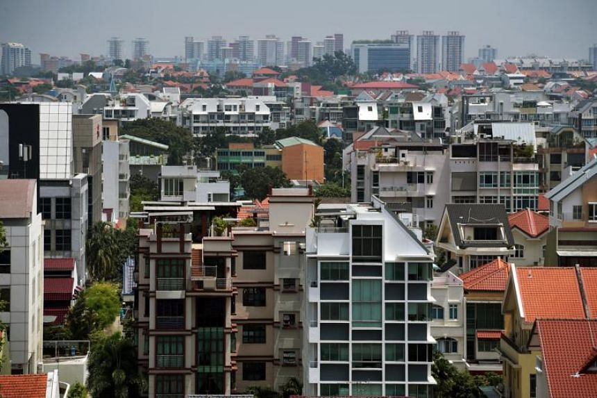 Rents of non-landed private homes in Singapore fell by 0.9 per cent in April 2018 over March, while rents of HDB flats rose by 0.4 per cent over the same period.
