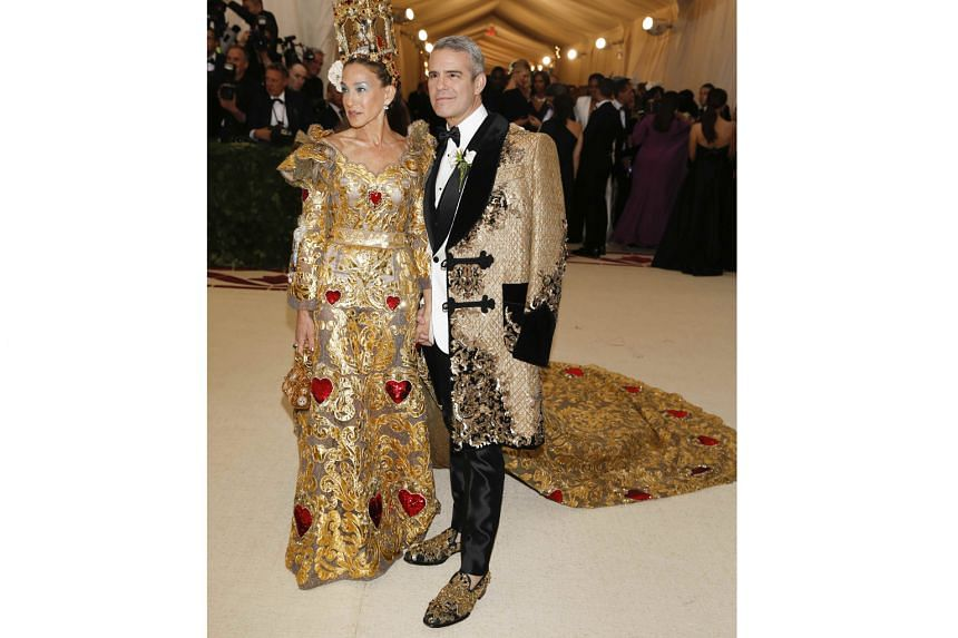 (Far left) Actress Sarah Jessica Parker (with talk show and radio host Andy Cohen) glitters in a metallic Dolce & Gabbana gown. (Centre) Actress Shailene Woodley pays homage to Joan of Arc in a custom Ralph Lauren dress. (Left) Model Kendall Jenner k
