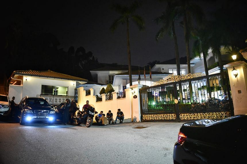 Barisan Nasional leaders reportedly gathered at Prime Minister Najib Razak's residence in the early hours of May 10, 2018.