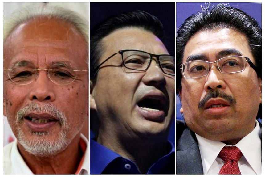 (From left) Umno candidate and Felda chairman, Tan Sri Shahrir Samad, Transport Minister and Malaysian Chinese Association president Liow Tiong Lai and Second Finance Minister Johari Abdul Ghani.