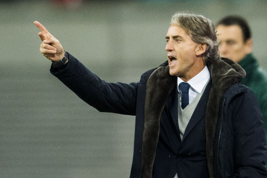 Zenit Saint Petersburg head coach Roberto Mancini gesturing on the sidelines during the Europa League match against RB Leipzig on March 8, 2018.