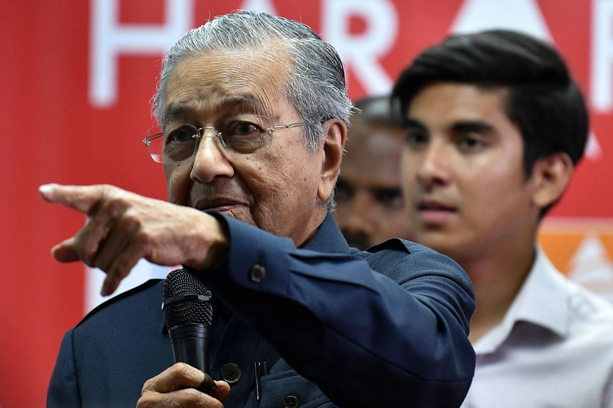 Malaysia's newly elected Premier Mahathir Mohamad at a news conference in Menara Yayasan Selangor, Petaling Jaya, yesterday.