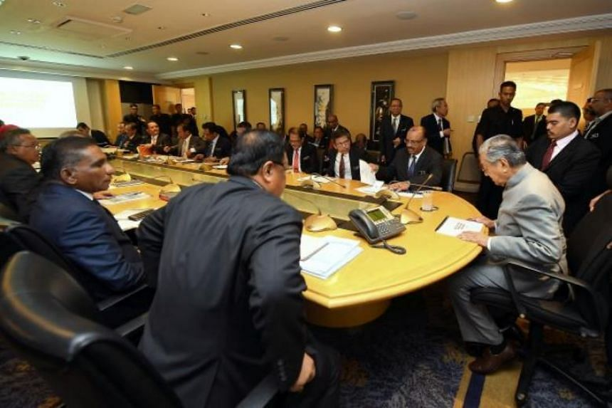 Prime Minister Mahathir Mohamad chaired a meeting with ministry secretaries-general to explain the functions and roles of the new government on May 14, 2018.