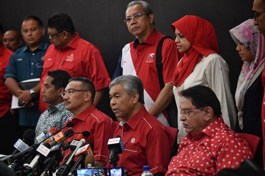 Acting Umno president Ahmad Zahid (second from right) speaks during a press conference held by the party in Kuala Lumpur on May 14, 2018.