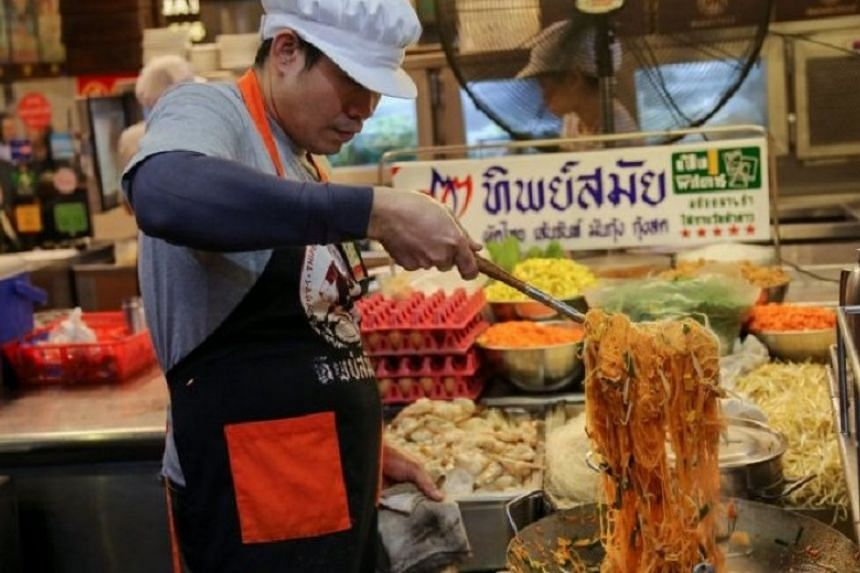 The phad thai is so good at Thipsamai Padthai Pratoopee that it won the restaurant a Bib Gourmand award from the Michelin Guide.