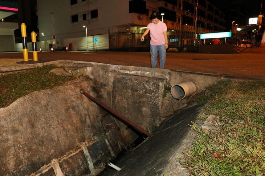 Upon alighting from the taxi, the 69-year-old woman lost her bearings, fell into a 2m-deep drain and lost consciousness.