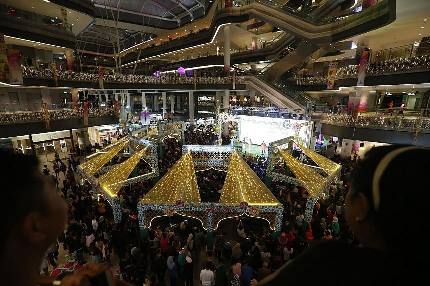 The Hari Raya bazaar at Our Tampines Hub has stalls with products from Pakistan, India, Turkey, Morocco and Uzbekistan.