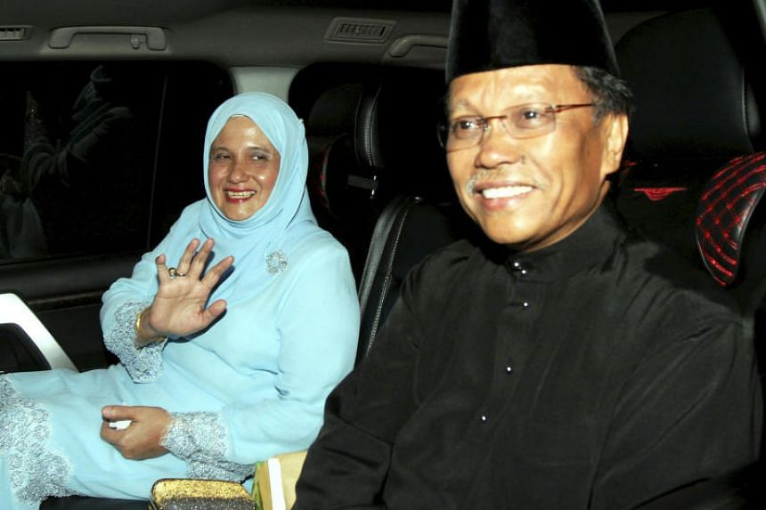 Party Warisan President Shafie Afdal and his wife Shuryani Shuaib leaving for Istana Negeri Sabah to be sworn in as the Sabah chief minister, on May 12, 2018.