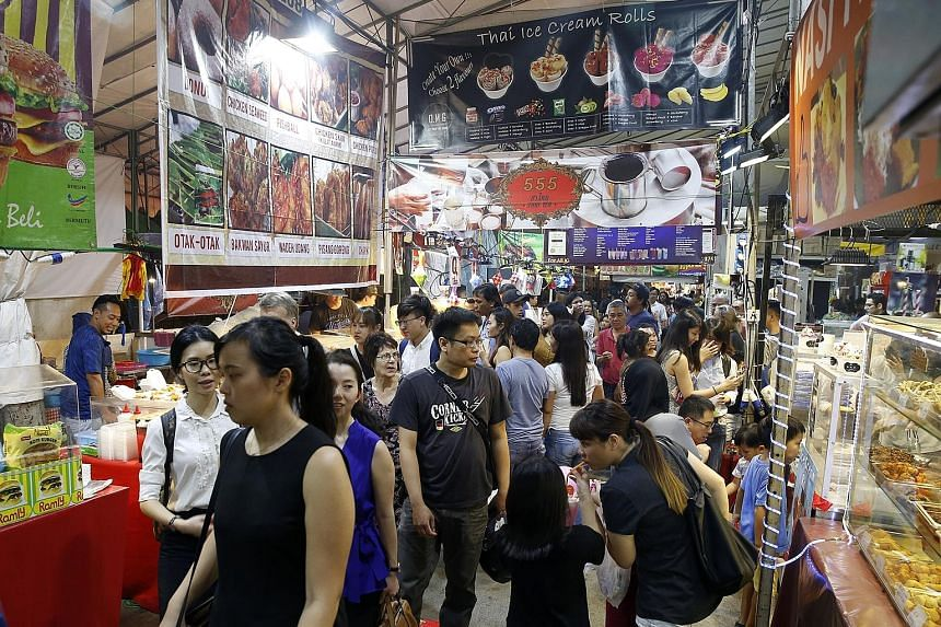 The annual bazaar features more than 800 stalls which sell food, cookies, traditional clothing, jewellery, rugs and many other items.
