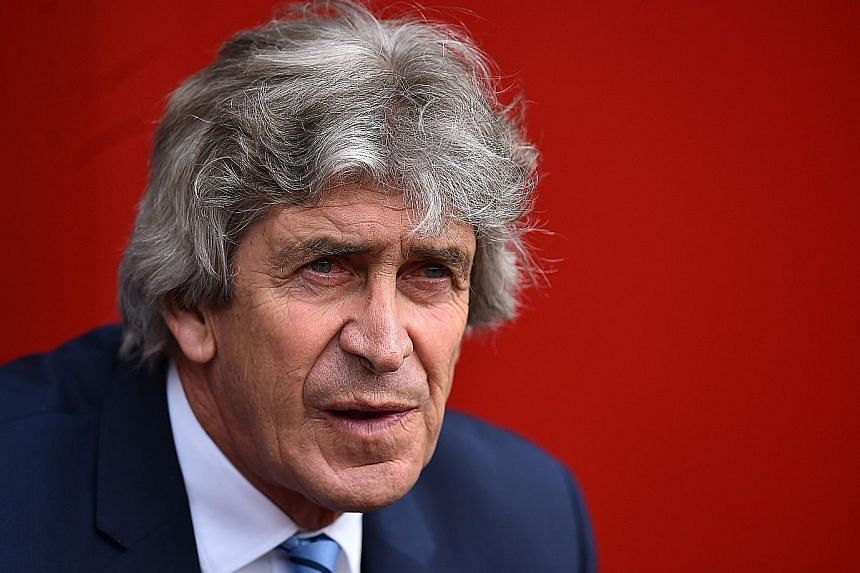 New West Ham manager Manuel Pellegrini is hoping to sign four or five players.
