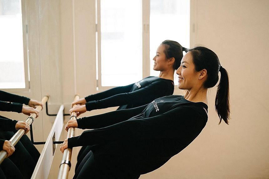 Barre sessions feature controlled, isometric movements that build strength, endurance and flexibility.