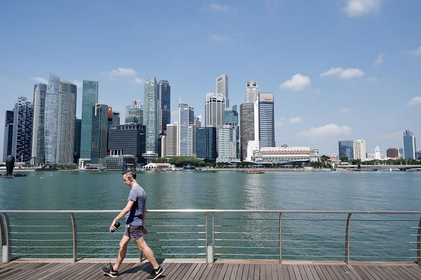 Singapore's economy expanded 4.4 per cent in the first quarter of this year, in line with the expectations of economists and faster than the 3.6 per cent growth in the preceding quarter.