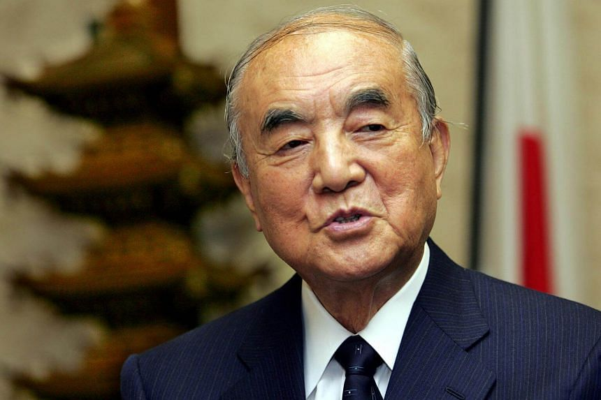 Commenting on the reasons for his longevity, former Japanese prime minister Yasuhiro Nakason cited a disciplined life, interest in nature, and an insatiably inquiring mind.