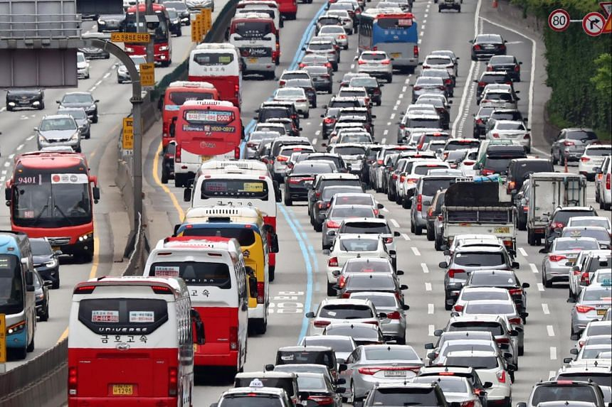 Heavy traffic is seen on the highway linking Seoul and Busan on May 20, 2018. The increase in the number of vehicles on the road, the lack of parking space and inadequate regulations are contributing to South Korea's parking issues.