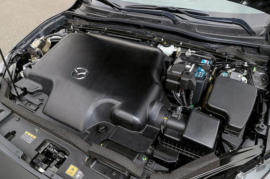 The SkyActiv-X offers 190hp, 230Nm of torque and an average fuel consumption of between 4.3 and 4.9 litres per 100km.