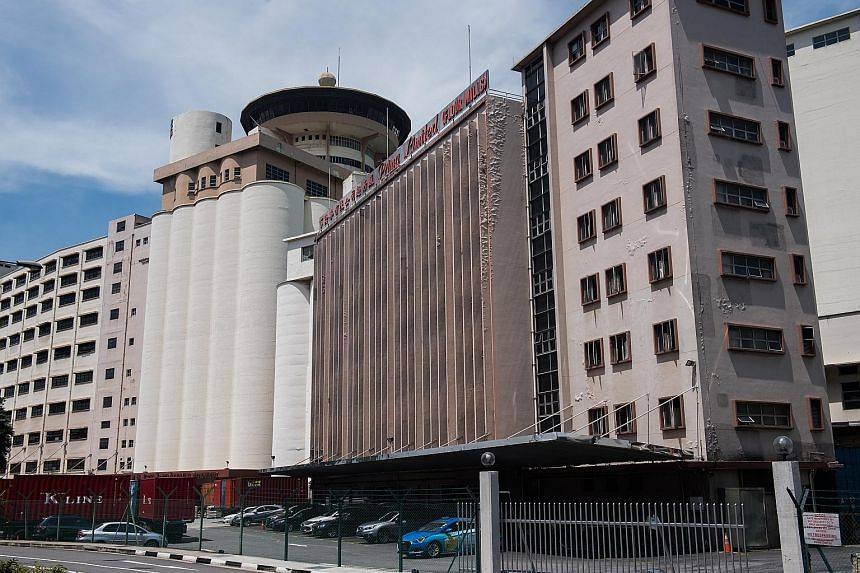 Prima Tower Revolving Restaurant is sited on top of tall cylindrical wheat silos. Architectural historian and conservator Yeo Kang Shua believes that Prima Tower has several conservation merits, since it is both an industrial site and a well-known fo