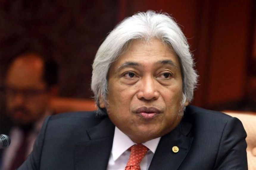 Malaysia's central bank governor Muhammad Ibrahim has offered to resign from his post after two years in the job.