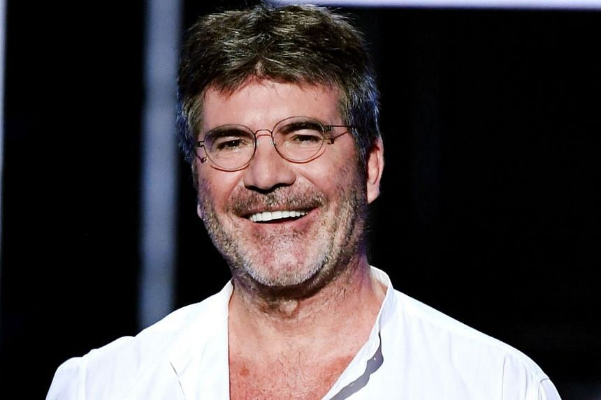The X Factor judge Simon Cowell has not used his cellphone for 10 months and says the decision has been good for his mental health.