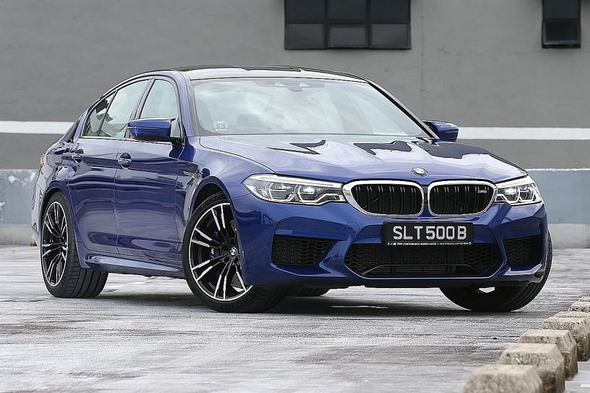 The bonnet and side panels of the BMW M5 are made of aluminium, while its roof is made of carbon-fibre. The BMW M5 is luxurious and sporty, with merino leather cladding its seats and nappa leather lining its cockpit.