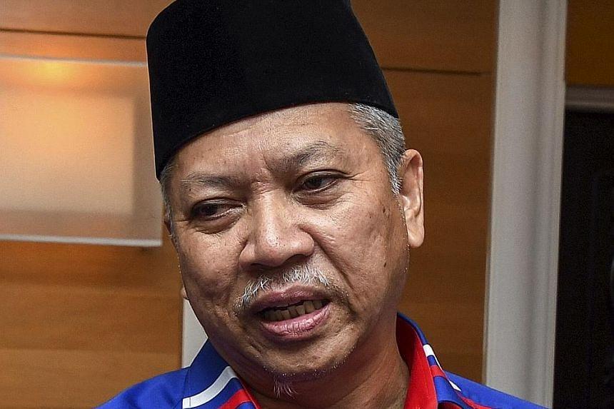 Datuk Seri Dr Ahmad Zahid Hamidi. Datuk Seri Mohamad Hasan. Tan Sri Annuar Musa.